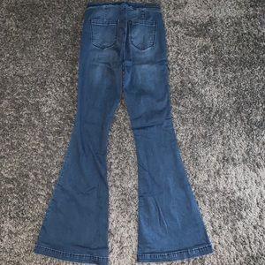 Blank NYC Jeans - BlankNYC Pull on Belle Bottom Jeans